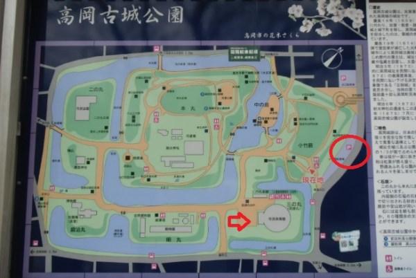 高岡古城公園駐車場