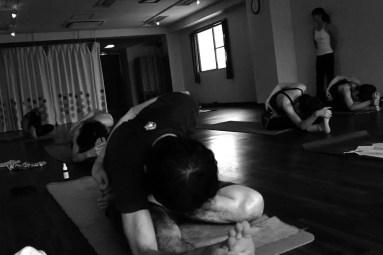 Akiko_Tsugawa_ashtanga-yoga_teaching_010