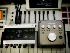 NI KA6 vs Tascam US366