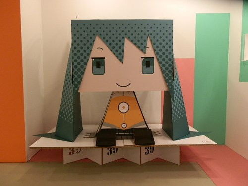 let-play-with-hatsune-miku-in-greenland-08