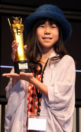10-year-old-girl-win-japan-gunpla-builder-world-cup-2013-junior-division-02