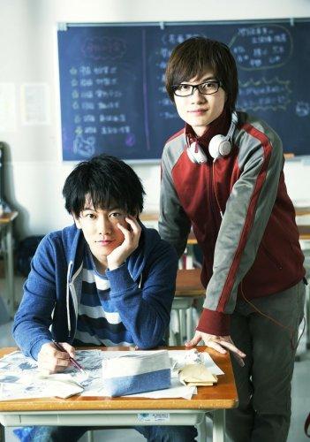 kenshin-takeru-satoh-and-ryunosuke-kamiki-stars-in-live-action-bakuman-film-01