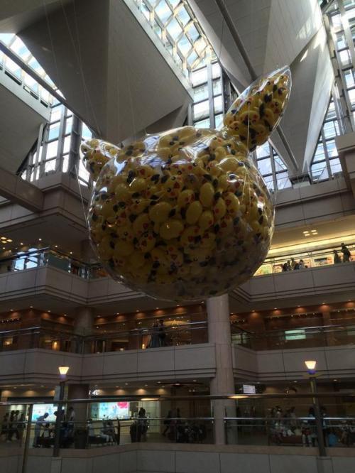 pikachu-invasion-in-yokohama-02