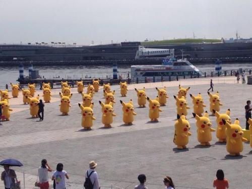 pikachu-invasion-in-yokohama-11