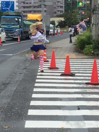 shimakaze-cosplayer-wins-marathon-03