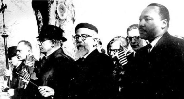 Abraham Joshua Heschel 20. századi rabbi és filozófus Martin Luther Kinggel vonul fel