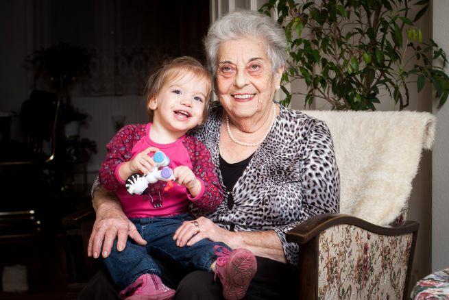 A 86 éves Kati dédi és dédunokája