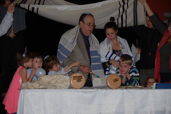 Simchat Torah az új Tórával