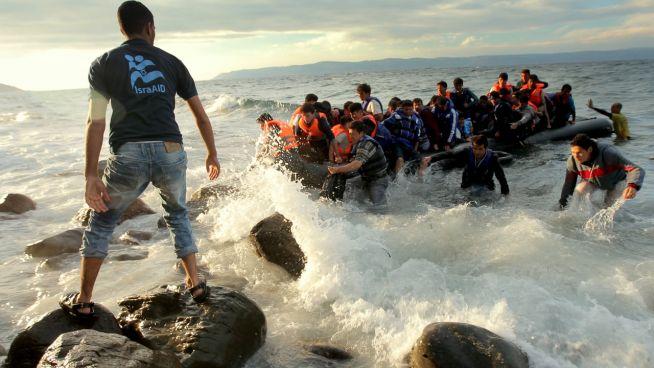 Az IsraAID szíriai menekülteknek segít a görögországi Leszbosznál