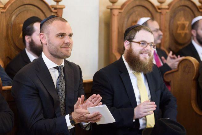 Csepreghy Nándor államtitkár és Köves Slomó rabbi a Mádi Rabbiház avatásán (Fotó: Komka Péter/MTI)