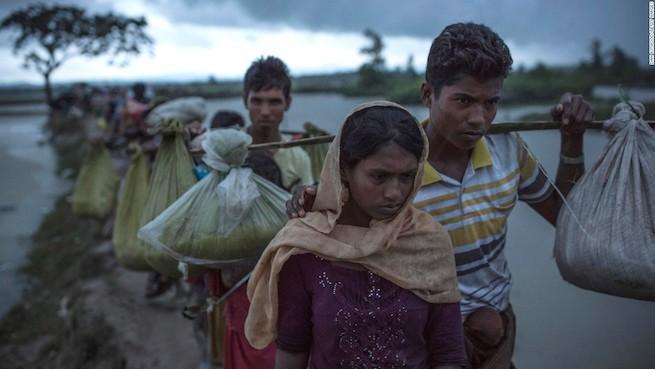 Rohingja menekültek Mianmar és Banglades határán