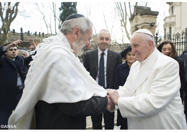 Ferenc pápa és Riccardo di Segni római főrabbi