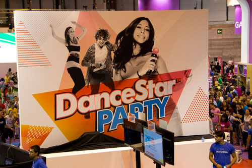 DanceStar Party Stand en GameFest 2011