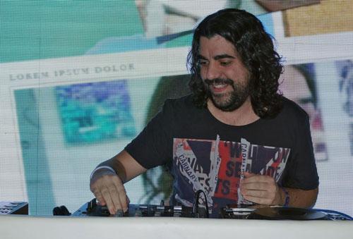 Gustavo Maeso de Marca Player en la presentación de PS Vita