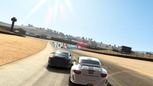 Real Racing 3. Al loro con los gráficos del jueguecito de móvil.
