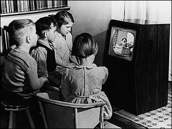 Muchachada, no mováis la tele que se va el WiFi y no podemos jugar al Kinect Party (¡ips, ips, ips!)
