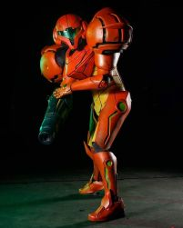 samus_aran_cosplay_by_elearia-d9z41ma