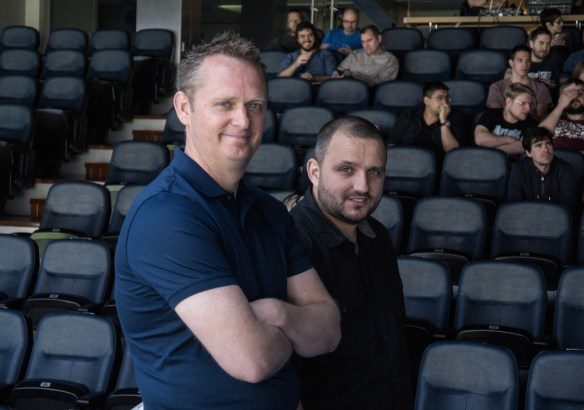 Nick Channon  (EA SPORTS FIFA producer) y Aaron McHardy (gameplay producer)