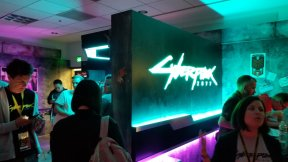 En el stand de CD Projekt Red dedicado a Cyberpunk 2077. Impresionante.