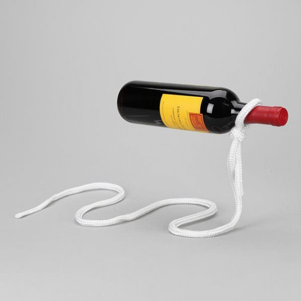 optical-illusion-cantilever-wine-bottle-holder-600x600