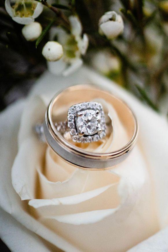 2 Vintage Rose Wedding Ceremony