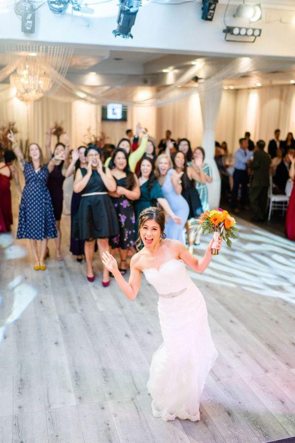 oc wedding bouquet toss