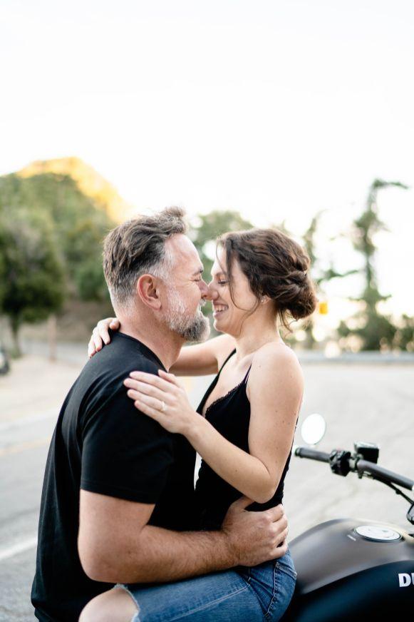bike wedding photo