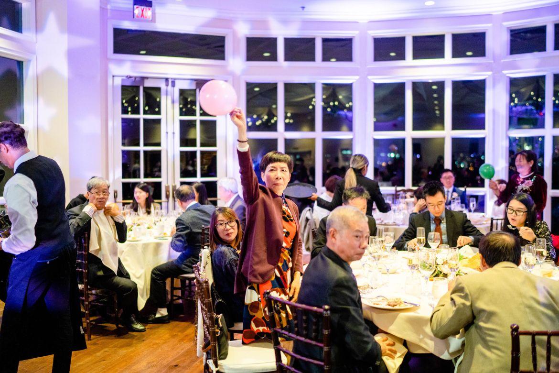 wedding balloon game