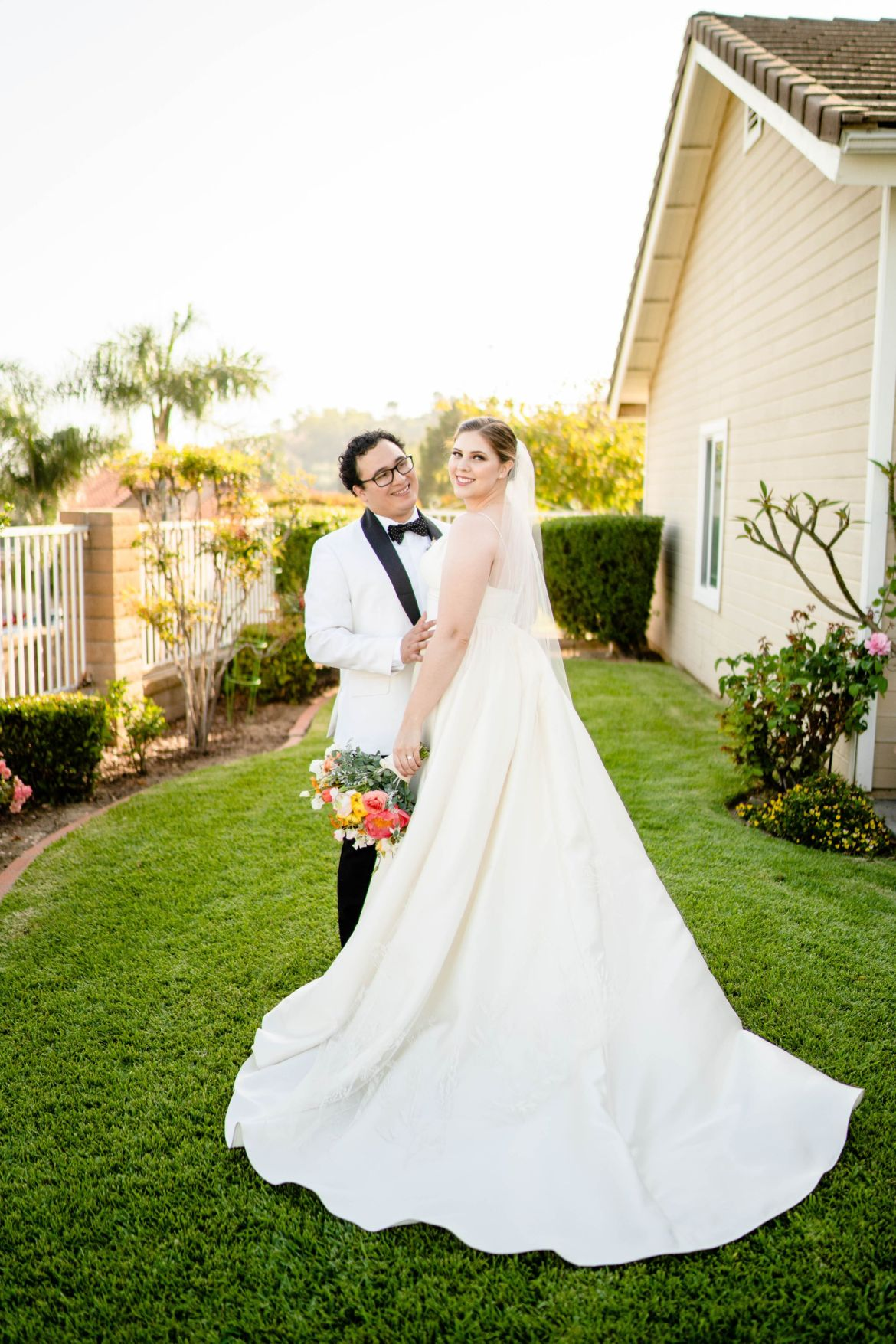 backyard wedding photo ideas