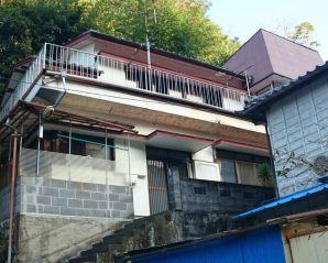【売買】180万円 静岡県賀茂郡西伊豆町田子 バルコニーから海が見える 小学校・役場近い 物置付き2階建