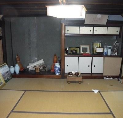 【売買】250万円 愛媛県西予市宇和町河内 山あいの丘陵地 蔵・庭・駐車場付き2階建