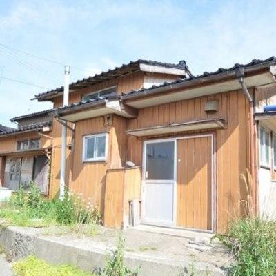 【売買】300万円 新潟県佐渡市北田野浦 海にも山にも近い 畑・山林・駐車場付き2階建