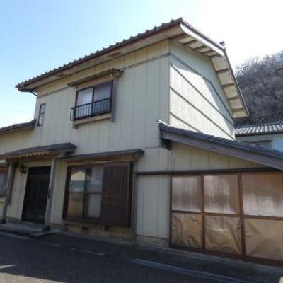 【売買】350万円 新潟県村上市浜新保 海水浴場近い 平成2年築 屋根裏物置・車庫付き2階建
