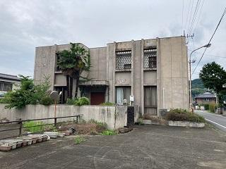 【売買】400万円 群馬県藤岡市鬼石 通学・生活便利な広い敷地 広い間取りのRC2階建