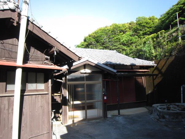 【売買】120万円 愛媛県愛南町赤水 海に近い 2階建別棟付き平屋古民家