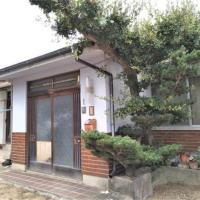 【売買】300万円 香川県坂出市府中町 のどかな田園地帯 9部屋・回り廊下のある2階建