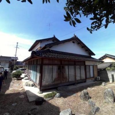 【売買】300万円 鳥取県米子市福万 庭・駐車場付き角地の6部屋2階 回り縁有