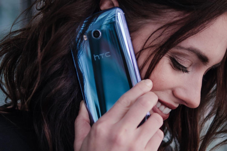 Картинки по запросу HTC U11 Plus фото