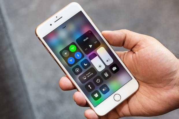 В России вновь рухнули цены на iPhone 8 до рекордной отметки
