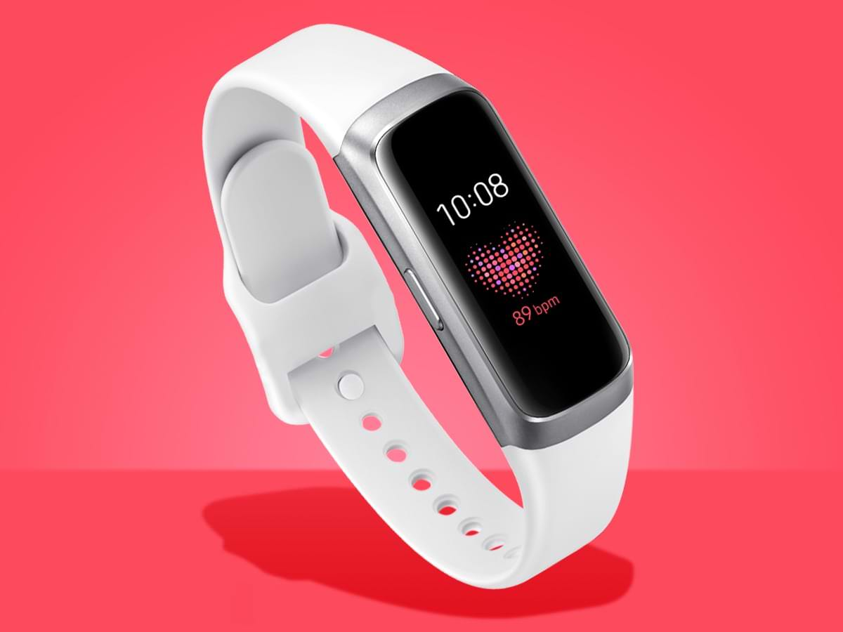 819611b35dc However, the most important feature of the Xiaomi Mi Band 4 will be that  this tracker will receive its own independent GPS module, and this  innovation is ...