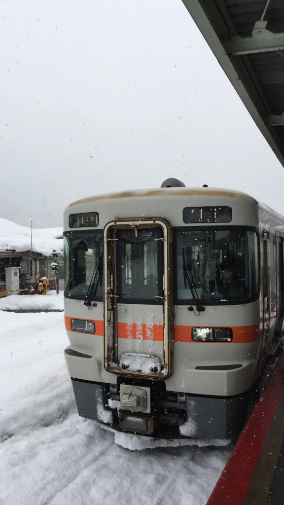 高山本線 キハ25