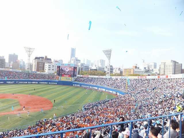横浜スタジアム:ラッキーセブン