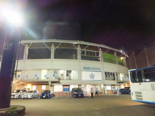 夜の横須賀スタジアム
