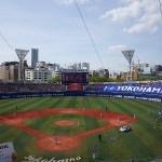 満員の横浜スタジアム:I love yokohamaのビッグフラッグ