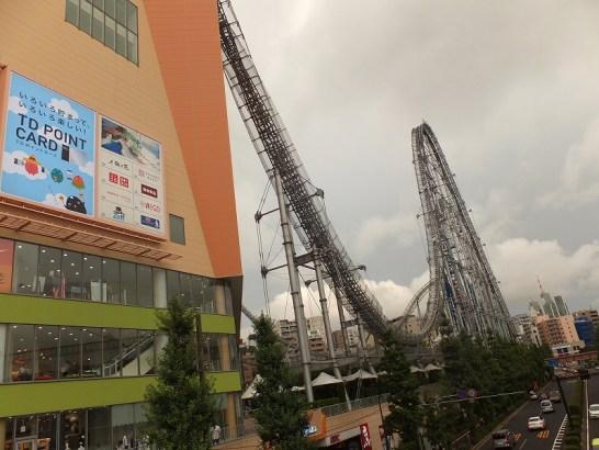 東京ドーム横にあるラクーアのジェットコースター!