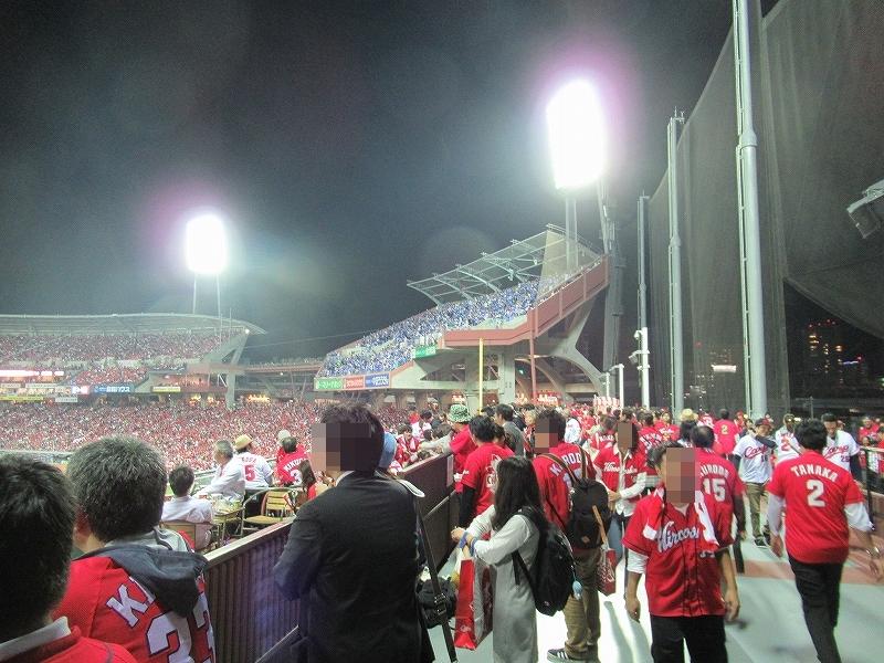 真っ赤に染まるマツダスタジアム:CS2016広島戦