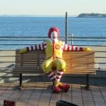 なんか偉そうなドナルド:三浦海岸マクドナルド