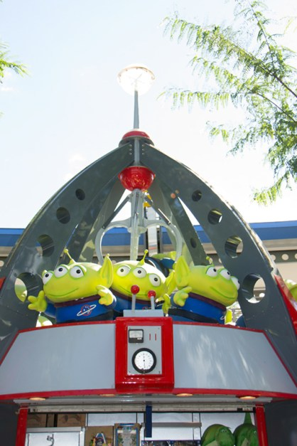 The Claw and little green aliens from Toy Story