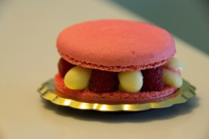 Raspberry and lime cream macaron