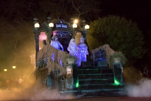 Haunted Mansion float in the Boo To You parade
